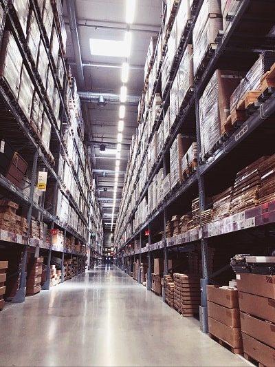 Während der Digitalberatung mit der Warenwirtschaft beschäftigen